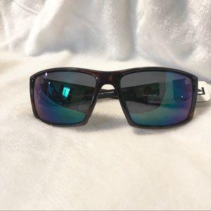 98ac606836 Reebok Accessories - Reebok Polarized Sunglasses